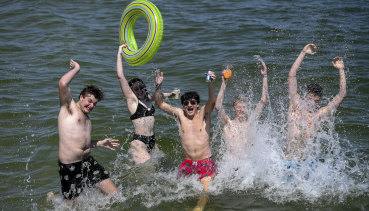 Temperatures will climb throughout the week with Brisbane set to hit 35 by Friday.