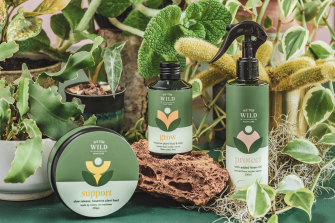 This essential kit is suitable for all plants.