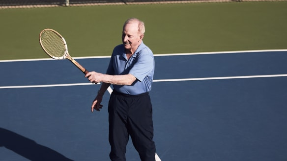 Rod Laver gets back into the swing of life ... and love