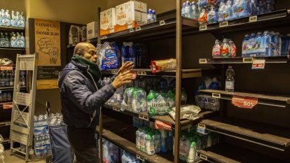 Fear, panic buying in Italy as coronavirus cluster worsens