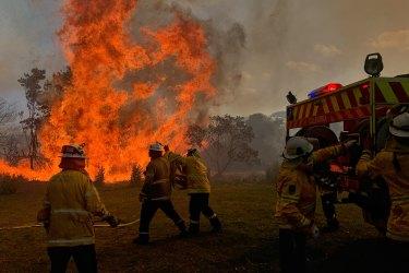 Australia must rethink how it battles bushfires amid climate change: Ex-fire chief