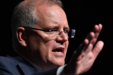 The Prime Minister has struck a deal with South Australia to provide water for farmers.