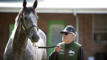 Hall Of Famer Les Bridge with his latest star, The Everest winner Classique Legend