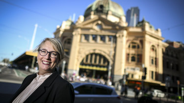 Lord mayoral candidate Sally Capp has given in-principle support for the Apple store in Federation Square.