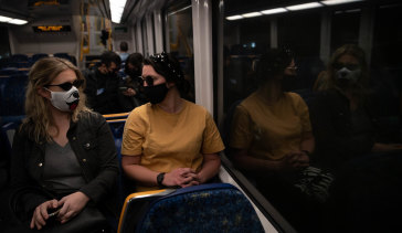 Public health experts say mask use on public transport should be mandatory.