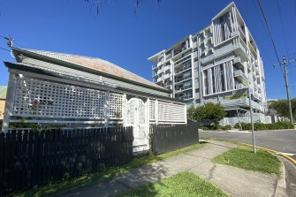 Woolloongabba is now a hybrid mix of original character homes and modern unit complexes.