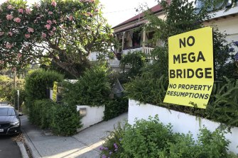 Boundary Street households at West End are worried about an option to run a green bridge between St Lucia and West End. Three homes will be resumed if Option C goes ahead.