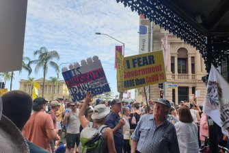 Thousands rally in Brisbane against COVID-19 lockdowns and vaccinations on Saturday.