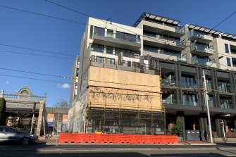 The apartment building at 32-24 Lygon Street has been listed as a tier-2 exposure site, with some residents likely to be required to isolate for 14 days.
