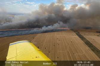 A crop fire burning in the Narromine area on Tuesday.