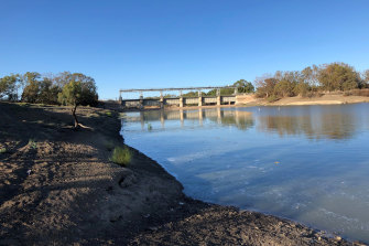 The first major river flow to arrive in the Menindee Lakes and in the main weir since 2016 arrived on Wednesday.