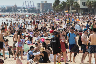 Thousands of people on St Kilda Beach on Melbourne Cup Day.