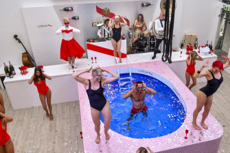 In 2016  Maison Mumm revealed a swimming pool in The Birdcage.