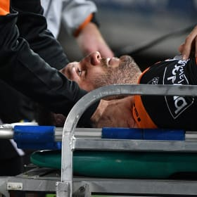 Farah knocked out in milestone Tigers triumph over Rabbitohs