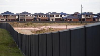 Inner-city apartments face 10 per cent price slide