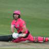 Big Bash doesn't need gimmicks to thrive, it needs a battle between bat and ball
