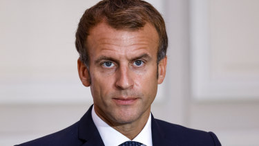 French President Emmanuel Macron spoke with his Russian and German counterpart on the subject of Ukraine.