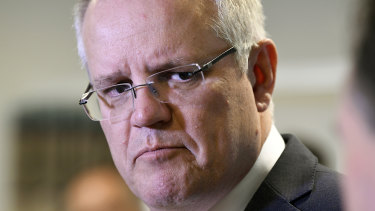 Scott Morrison accused the big banks of profiteering from mortgage holders by failing to pass onthe full rate cut.