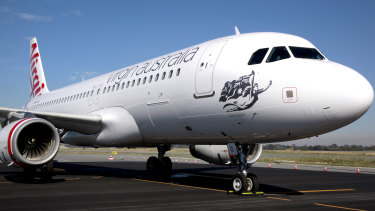Virgin Australia has made plans for three charter flights to bring Chinese students to Australia.