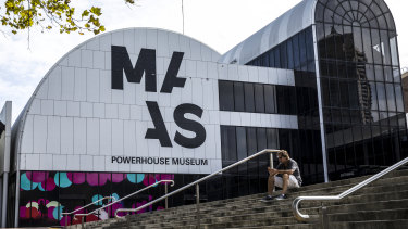The Powerhouse Museum will remain in Ultimo if Labor win government at the next state election.