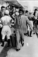 McCarthy arrives at Rosehill in 1975 to ride Gentle James in the Silver Slipper Stakes.