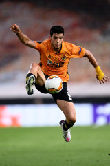 An early penalty to Saul Jimenez saw Wolves through to a first European last-eight clash since 1972.