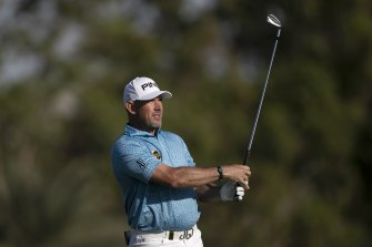 Lee Westwood took a one-shot lead after the third round of the Abu Dhabi Championship on Saturday.