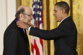 Milton Glaser receiving the National Medal of Arts in 2009.