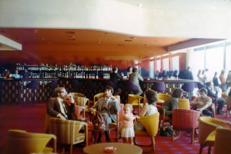 Airport bars in the 1970s were open later than city pubs.
