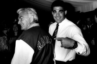 Mal Meninga points to 'honorary Raider' Bob Hawke. Hawke cut through with the sports-loving crowd in bars and workplaces.