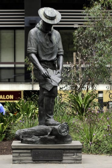 The Statue of John Batman ithat stood n the forecourt of the Suncorp Building on the corner of Collins and William streets.