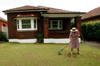 Heatwaves can make it difficult for vulnerable people, such as the elderly, to go about their daily activities.