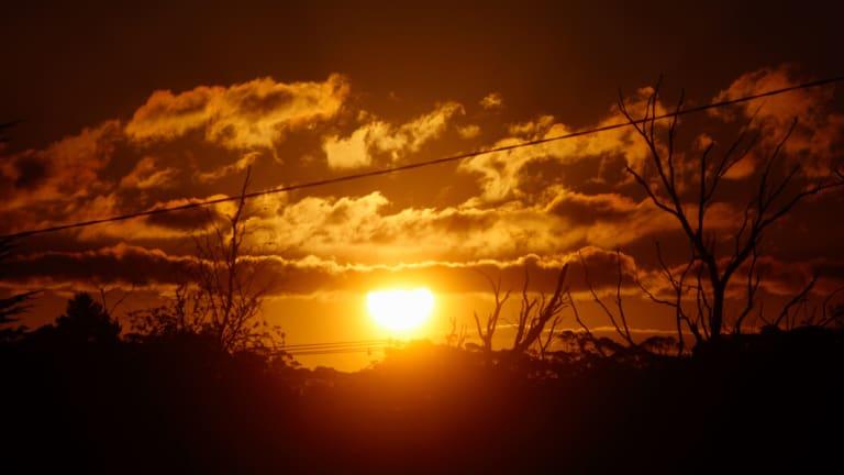 Solar energy could help Australia produce clean hydrogen for Japan.