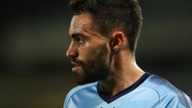 Sydney FC enter talks with Manchester City to sign Caceres permanently