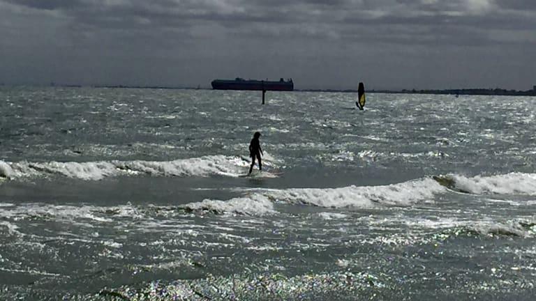 Swell in Port Phillip Bay.