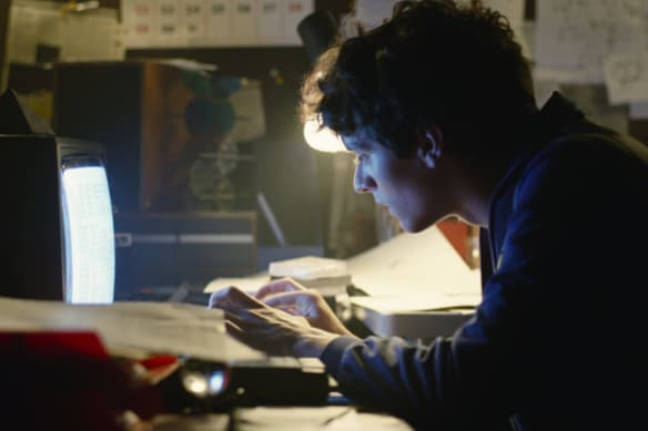 Black Mirror: Bandersnatch contains a life lesson about decisions.