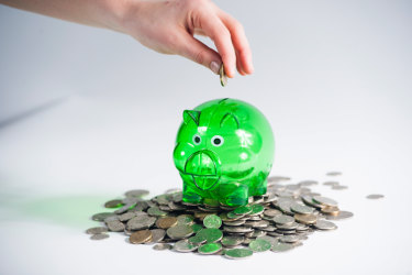 Savings rates hit rock bottom amid signs of further spending restraint