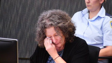 Kathleen Folbigg breaks down while giving evidence at the inquiry.