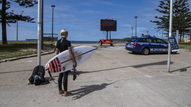 Police at Maroubra beach, Saturday, March 28. After opening the beach for a few hours, it was once again closed.