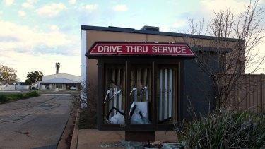 The Kentucky Fried Chicken in Deniliquin has seen better days.