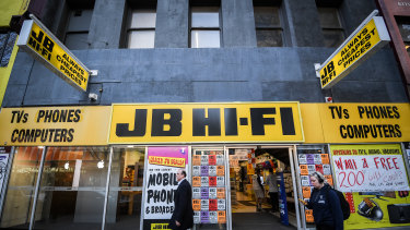 JB Hi-Fi has reported a bumper sales result for the third quarter of the financial year.
