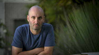 Melbourne man Adam Glezer has spent months helping others to get refunds on cancelled holidays.