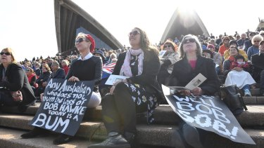 Hundreds outside on the Opera House stepswatched the Bob Hawke memorial service.