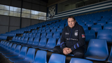 Former All Blacks coach Steve Hansen has been working with Trent Barrett and the Bulldogs.