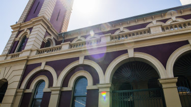The post office building in Redfern has been purchased by the City of Sydney council for use as an Indigenous cultural hub.