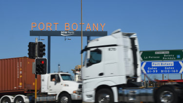 Workers at Port Botany have lost their Christmas bonuses.
