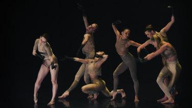 Ballet meets techno in Melanie Lane's WOOF.