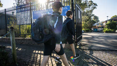 Children under 12 can't yet be vaccinated, so educators and health experts say teachers should be prioritised for jabs.