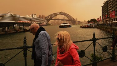 A dust storm has engulfed Sydney, but is expected to get worse by early afternoon.