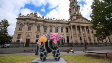 The Goldfish UooUoo at Melbourne Town Hall.